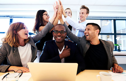 how to keep staff motivated during the summer